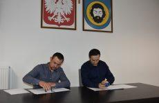 Więcej o: Umowa nabudowę kanalizacji sanitarnej wStarej Wsi podpisana