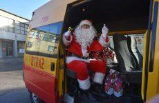 Więcej o: Tegoroczny Mikołaj zajechał…wozem strażackim